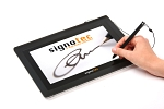 signotec Signature Pad Delta - Hand and pen